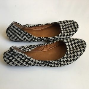 Lucky Brand 7.5M Black White Houndstooth Flats